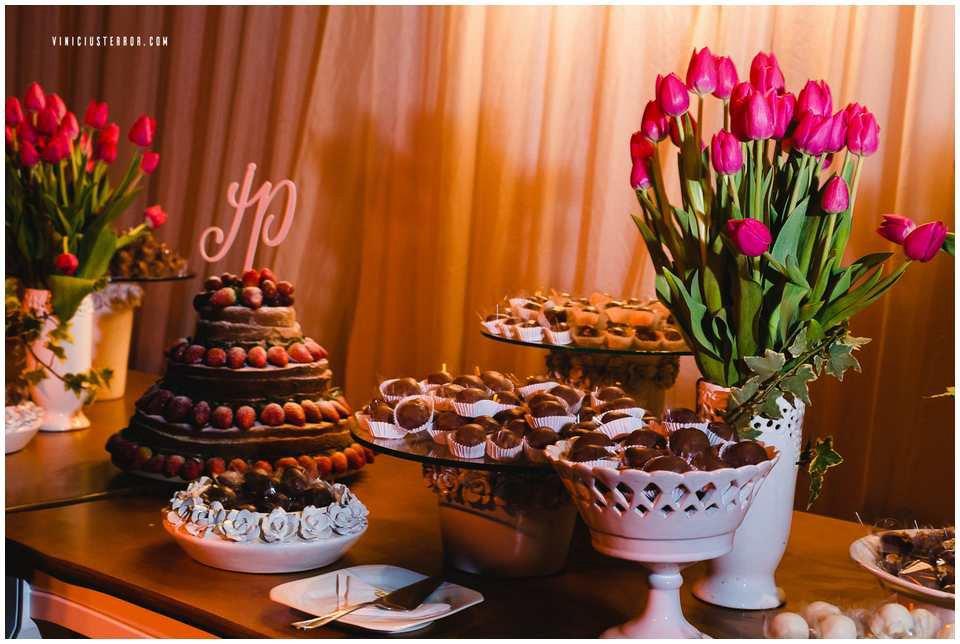 arranjo-de-flores-para-decoraçao-de-mesa-de-casamento