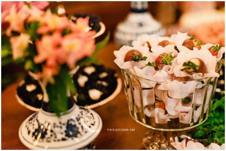 ideias-para-compor-a-mesa-de-doces-da-festa-de-casamento