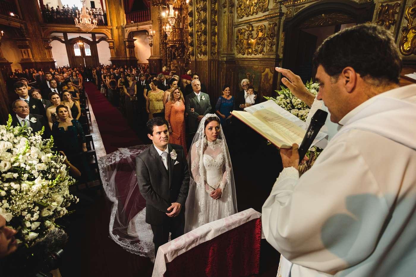 Casamento Clássico Em Ouro Preto / Igreja do Pilar