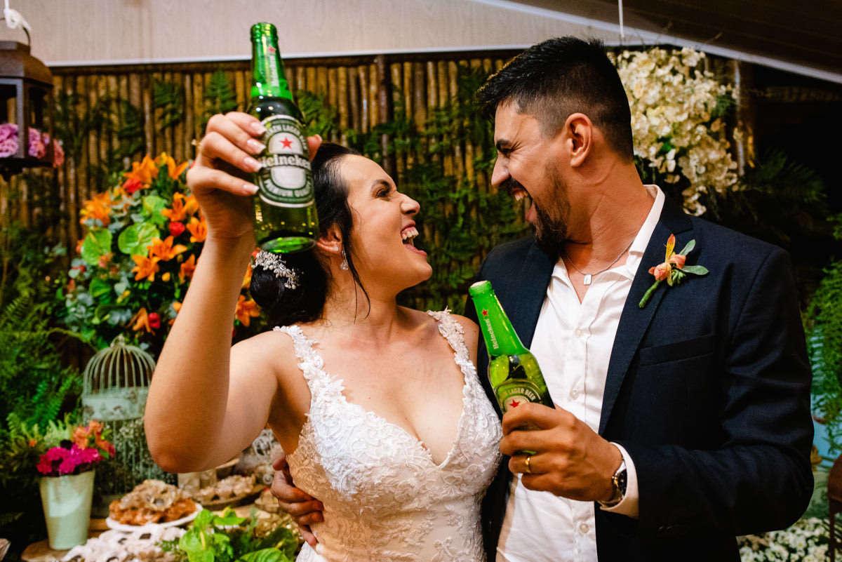 brinde dos noivos fotografia de casamento em bh