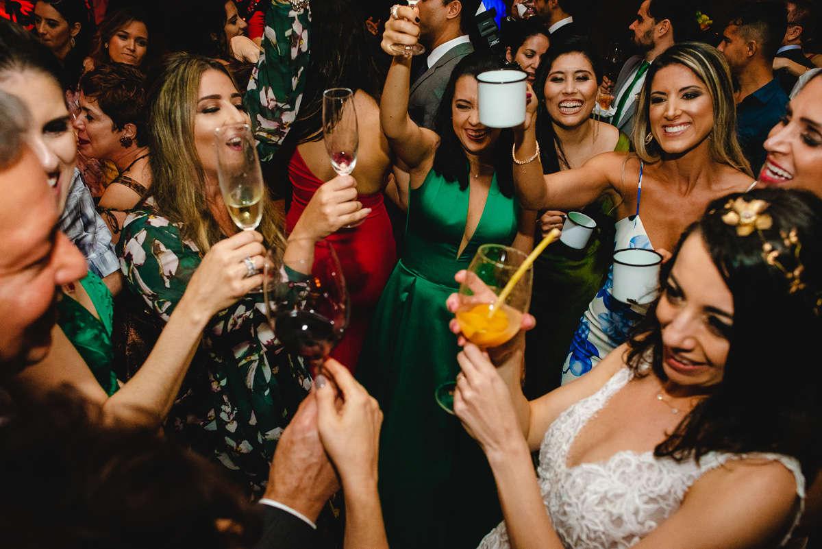 fotos espontaneas de casamento em tiradentes