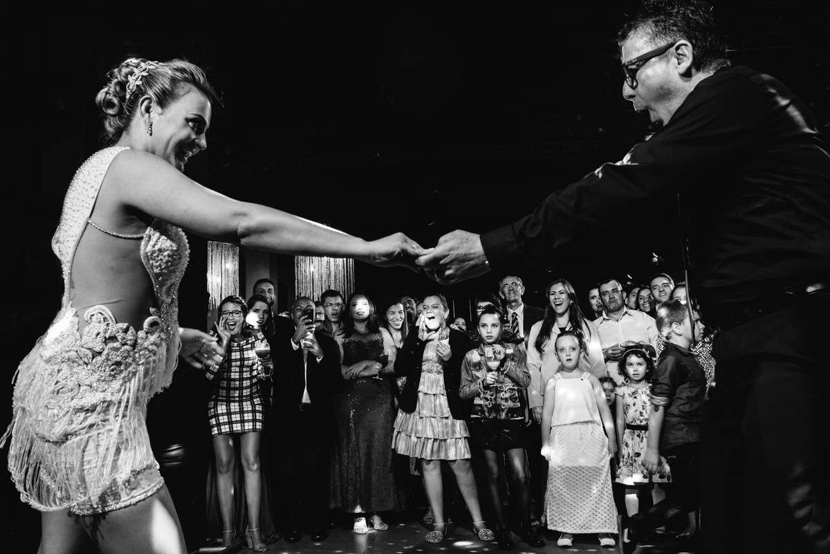 como fotografar a dança do casal na pista de dança do casamento